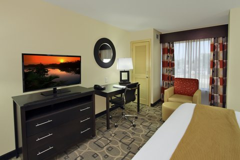 Holiday Inn Express AUGUSTA EAST - King Guest Room