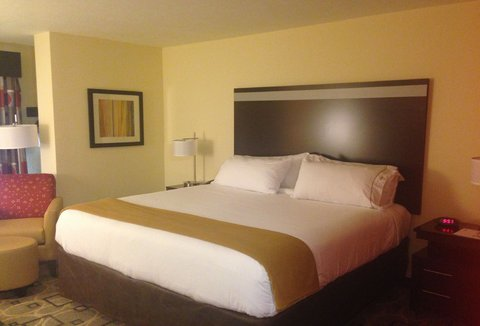 Holiday Inn Express AUGUSTA EAST - King Bed Guest Room