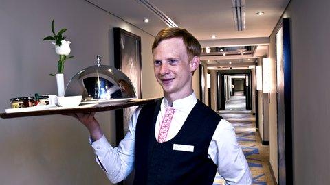 فندق كراون بلازا ديرة دبي - Room Service