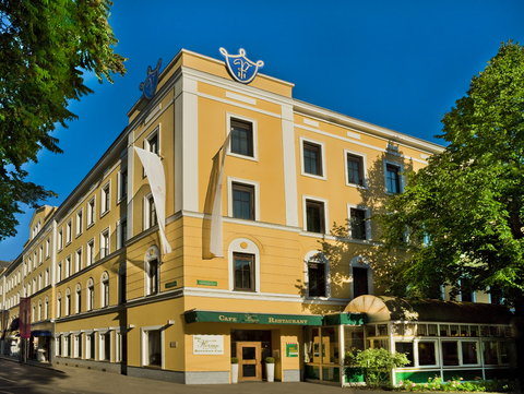 Romantik Parkhotel Graz - Exterior
