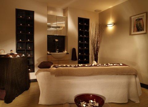 Rocco Forte Balmoral Hotel - The Balmoral Spa - Treatment Room
