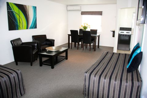 Camelot on Ulster - One Bedroom Apartment