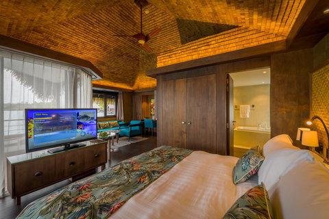 Intercontinental Resort Tahiti - OVERWATER SUPERIOR LAGOON BUNGALOW