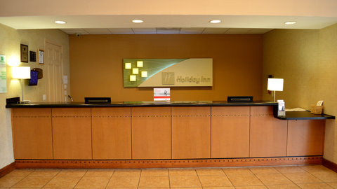 Holiday Inn Hotel And Suites Daytona Beach On The Ocean - Front Desk