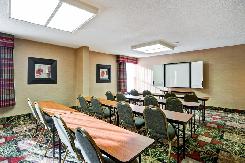 Days Inn Penn State In State College Pa 16801 Citysearch