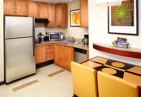 Residence Inn Columbus Downtown - Accessible Suite - Kitchen
