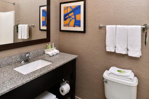 Country Inn & Suites By Carlson, O'fallon, Mo - Guest Bathroom