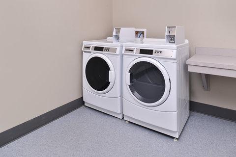 Country Inn & Suites By Carlson, O'fallon, Mo - Laundry Facility