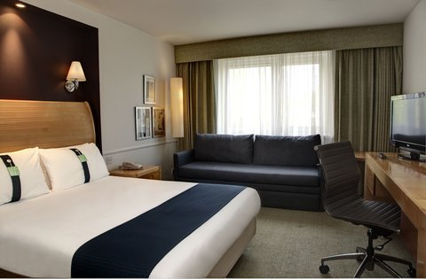 Holiday Inn Bristol Filton Hotel - Standard Plus Family Room for 2 Adults and 2 Children