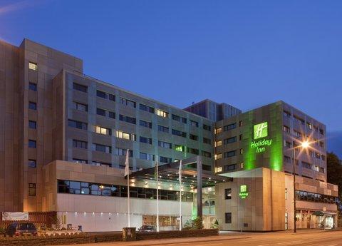 Holiday Inn CARDIFF CITY CENTRE - Hotel Exterior Hotel at night