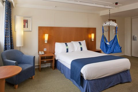 Holiday Inn CARDIFF CITY CENTRE - Accessible Double Bed Guest Room