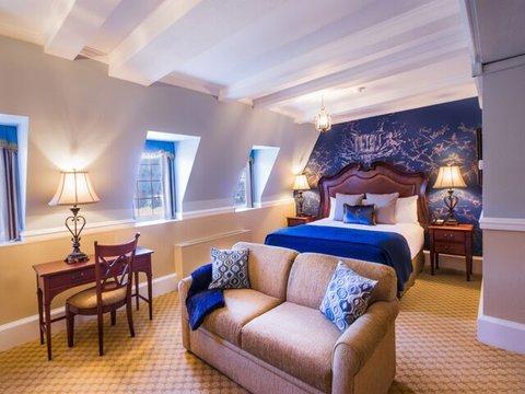Skytop Lodge - King Suite