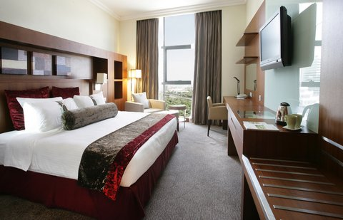 Holiday Inn ABU DHABI - Our smart executive rooms are just perfect for professionals
