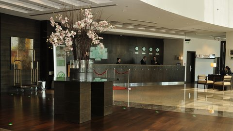 Holiday Inn ABU DHABI - Our welcoming lobby