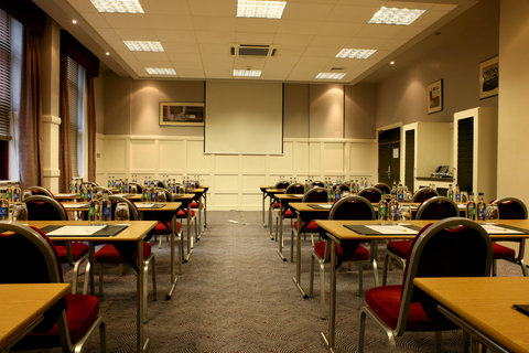 Crowne Plaza DUBLIN - NORTHWOOD - A classroom style meeting room in Crowne Plaza Dublin Airport