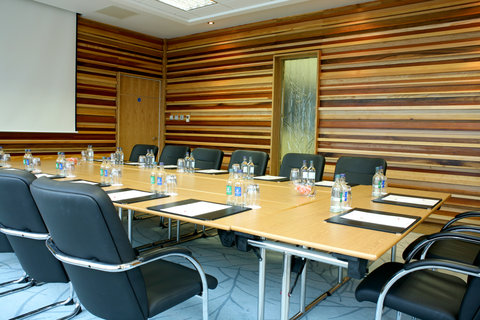 Crowne Plaza DUBLIN - NORTHWOOD - A practical and modern meeting room to meet with clients