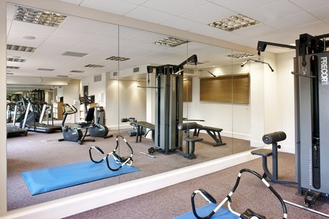 Crowne Plaza DUBLIN - NORTHWOOD - The practical and spacious gym at Crowne Plaza Dublin Airport