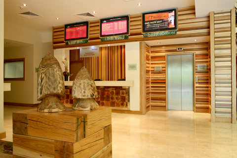 Crowne Plaza DUBLIN - NORTHWOOD - Modern and bright reception area