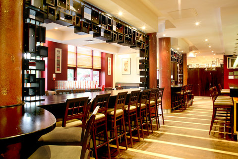 Crowne Plaza DUBLIN - NORTHWOOD - The lively and affordable Cinnabar sports bar