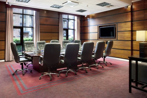 Crowne Plaza DUBLIN - NORTHWOOD - This appealing executive boardroom is ideal for important meetings
