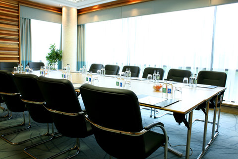 Crowne Plaza DUBLIN - NORTHWOOD - A bright and functional meeting room to meet with colleagues