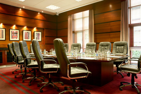 Crowne Plaza DUBLIN - NORTHWOOD - The stylish and efficient executive boardroom