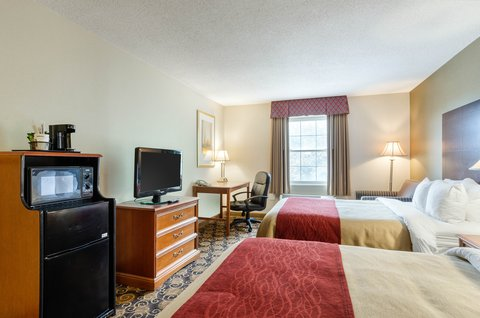 Comfort Inn Auburn - Guest room with double beds