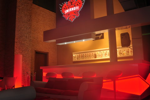Holiday Inn ABU DHABI - Thirty 1st Bar   Lounge