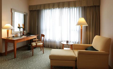Caravelle Hotel - Signature Room Living at Caravelle Saigon