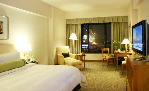 Caravelle Hotel - Signature Room at Caravelle Saigon