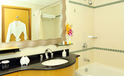 Caravelle Hotel - Signature Room Bathroom at Caravelle Saigon