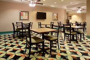 Restaurant - Holiday Inn Express Hotel & Suites Murrells Inlet