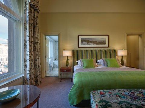 Rocco Forte Balmoral Hotel - The Balmoral - Glamis Suite Bedroom