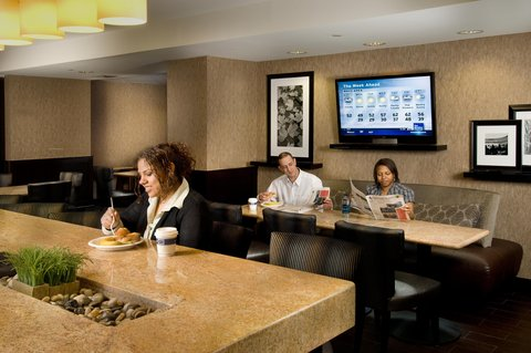 Hampton Inn Waco - Breakfast Dining Area