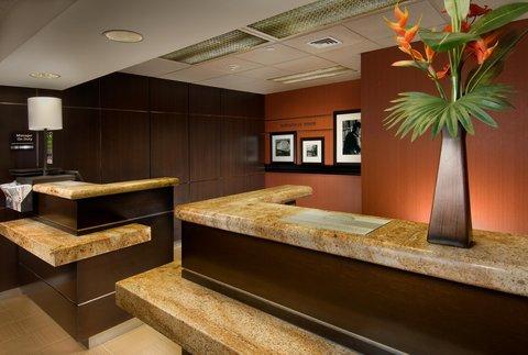 Hampton Inn Waco - Front Desk