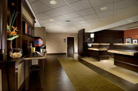 Hampton Inn Waco - Hotel Entrance