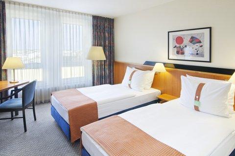 米特假日酒店 - Twin room with two single beds