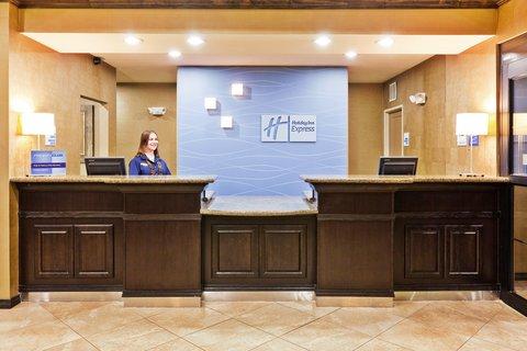 Holiday Inn Express Hotel & Suites Clovis - Front Desk