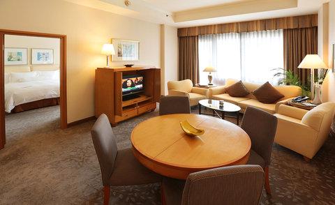 Caravelle Hotel - Heritage Saigon Suite at Caravelle Saigon