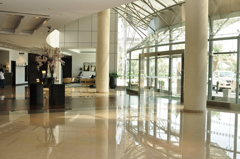 Holiday Inn ABU DHABI - Hotel Lobby
