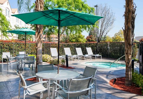 SpringHill Suites Bakersfield - Outdoor Spa