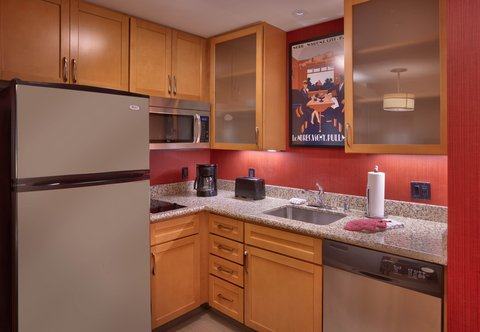 Residence Inn San Diego North/San Marcos - King Studio Suite - Guest Kitchen
