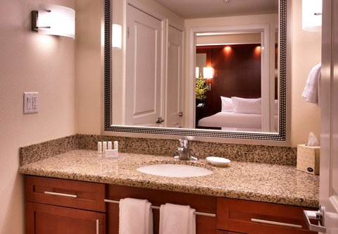 Residence Inn San Diego North/San Marcos - One-Bedroom Double Double Suite - Bathroom