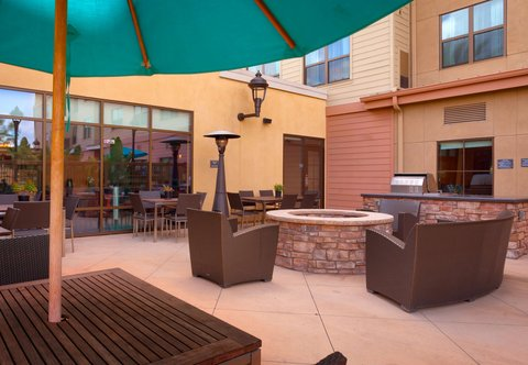 Residence Inn San Diego North/San Marcos - Outdoor Patio - Daytime View