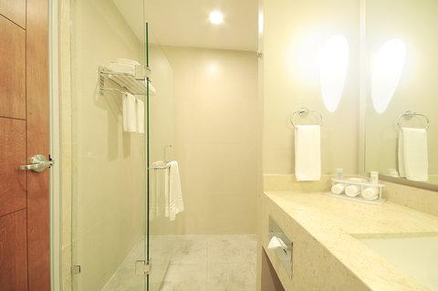 Holiday Inn Resort PUERTO VALLARTA - Guest Bathroom