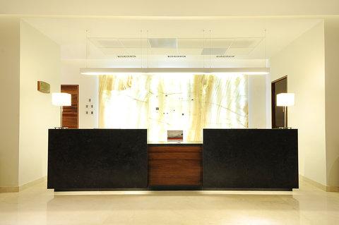 Holiday Inn Resort PUERTO VALLARTA - Front Desk