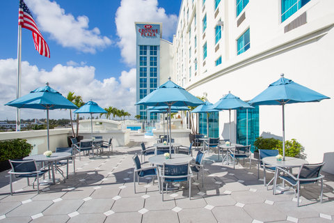 Crowne Plaza FT. LAUDERDALE AIRPORT/CRUISE - Guest Patio