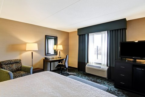Hampton Inn by Hilton Toronto Airport Corporate Centre - King with Sofa View