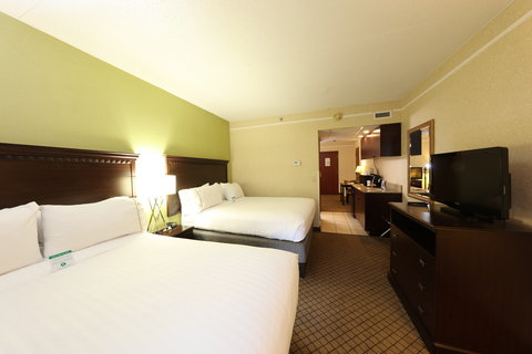 Holiday Inn Express & Suites GRAND RAPIDS AIRPORT - Guest Room