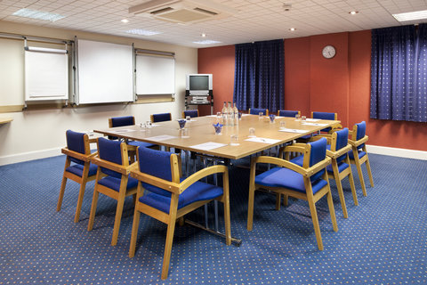 Holiday Inn Express Aberdeen City Centre - Training course or board meeting  we can help with that